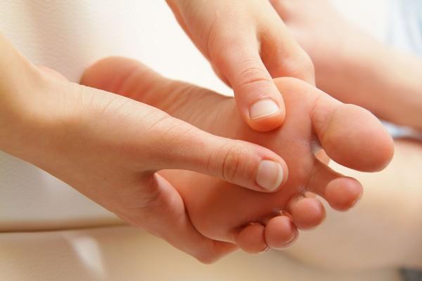 Fußmassage mit Balsam